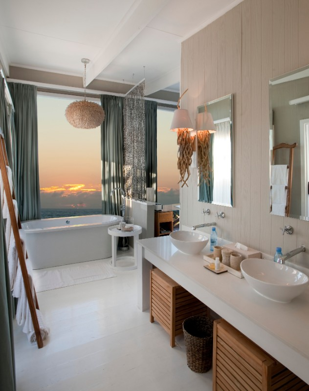 Exquisite ocean views 1 White Pearl Resorts